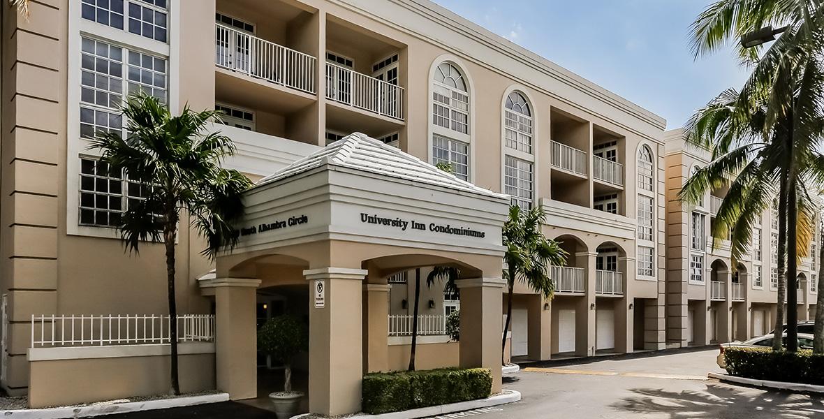 Do It Yourself Home Design: University Inn Condominium Condos For Sale